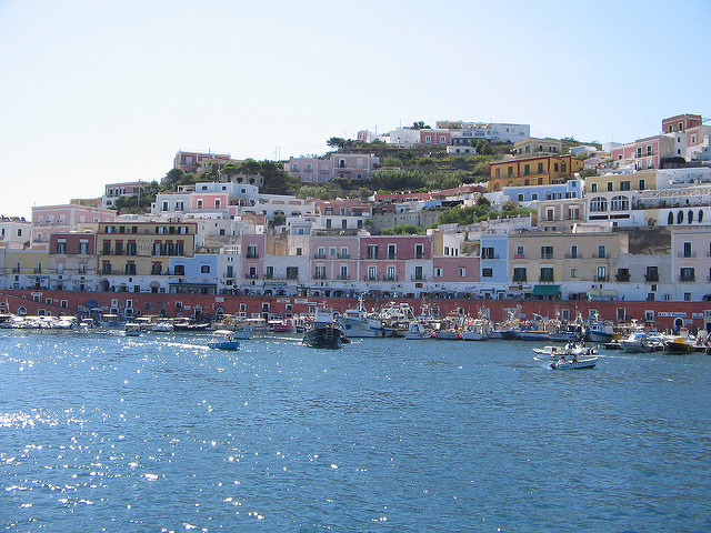 ferries to the Pontine islands